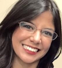 Aline Resende headshot